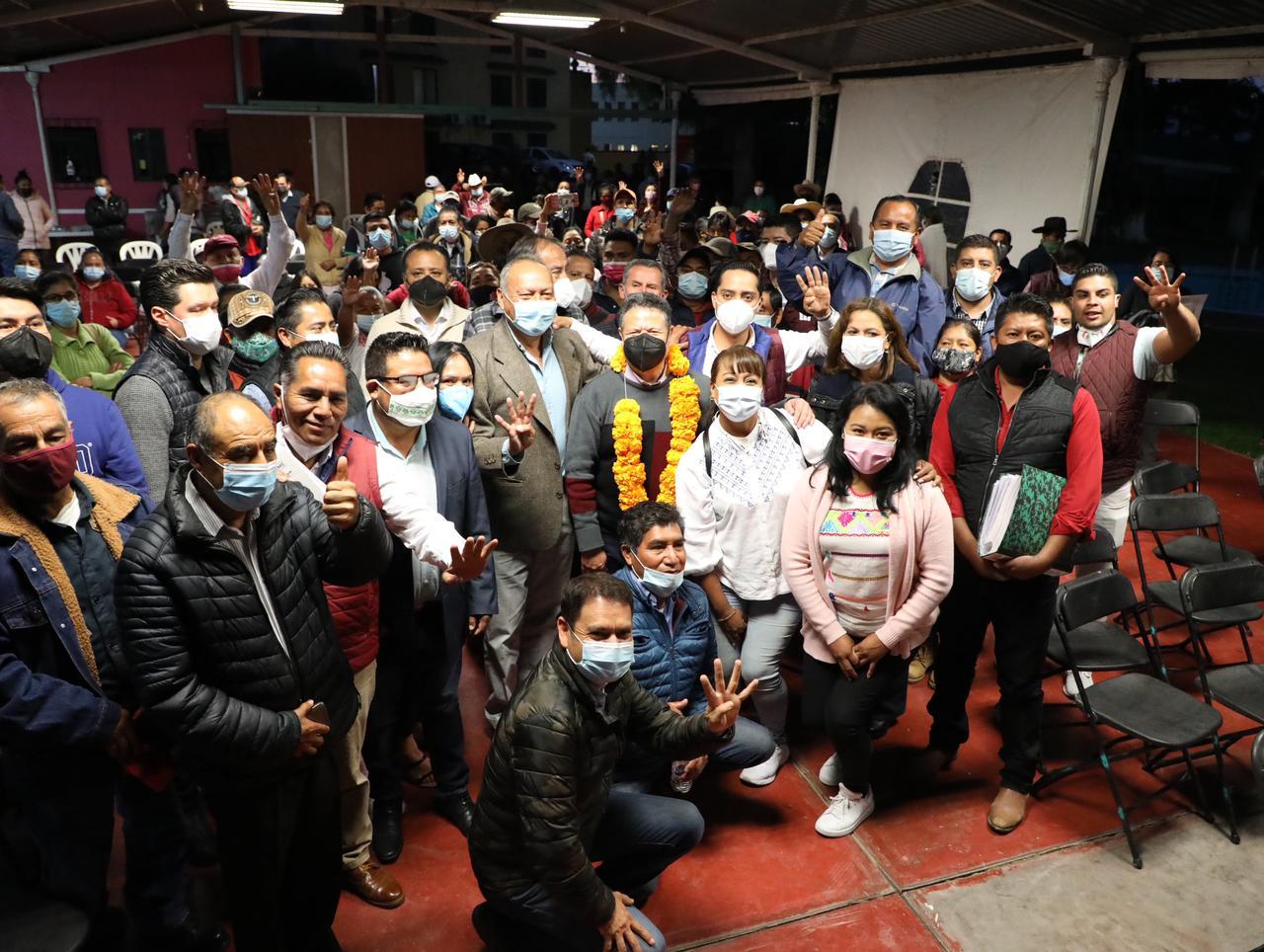 Durante visita a Ixmiquilpan, Menchaca llama a respaldar a AMLO